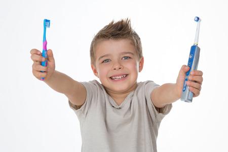 teaching kids to brush your teeth